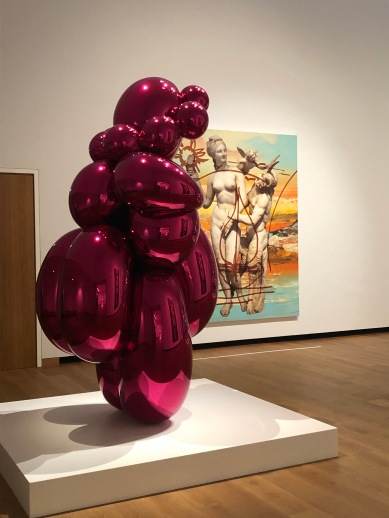 Balloon Venus in front of painting from Antiquity series